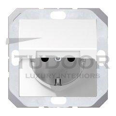 Розетка с заземляющими контактами 16 А / 250 В, с откидной крышкой, уплотнительной мембраной IP44, пластик белый глянцевый