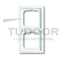 Рамка двойная, для горизонтального/вертикального монтажа, пластик белый глянцевый