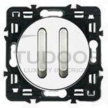 Выключатель, переключатель двухклавишный, бесшумный, (вкл/выкл с 1-го и 2-х мест) 6 A /250 B, белый