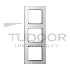 Рамка тройная, для горизонтального/ вертикального монтажа, белое стекло