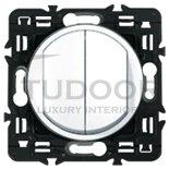 Выключатель, переключатель двухклавишный, (вкл/выкл с 1-го и 2-х мест) 10 А / 250 В, белый