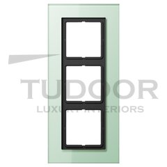 Рамка тройная, для горизонтального/ вертикального монтажа, матовое стекло