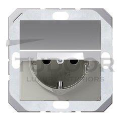 Розетка с заземляющими контактами 16 А / 250 В, с откидной крышкой, уплотнительной мембраной IP44, пластик под алюминий
