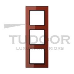 Рамка тройная, для горизонтального/ вертикального монтажа, стекло красное глянцевое